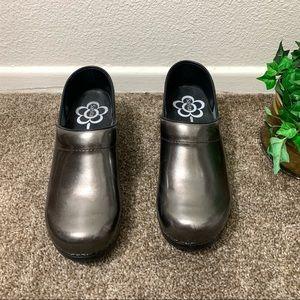 Sanita Slip Resistant Clogs Shoe Shiny Glossy
